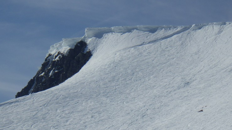 Large cornices remain in places, these at the North end of the Coire an Lochan crags on Aonach Mor.