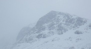 Light snow up the Ben